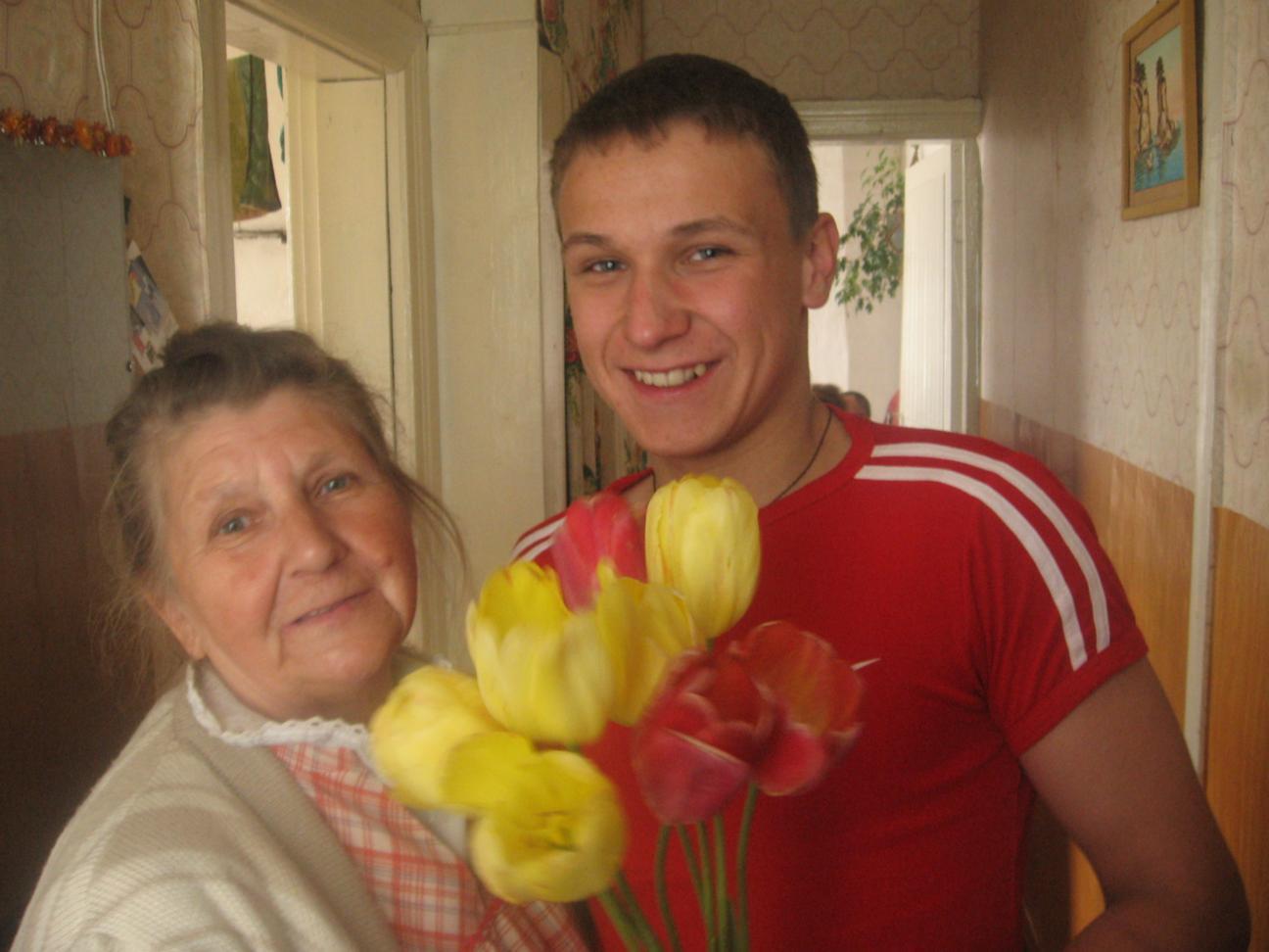 Мира Васильевна с внуком